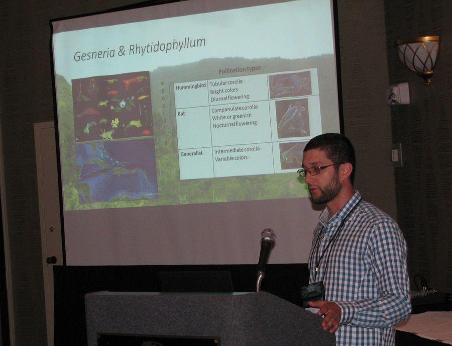 François Lambert presenting his program on the <i>Gesneria viridiflora</i> complex