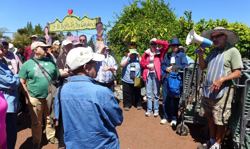 Group intro before visiting the nursery