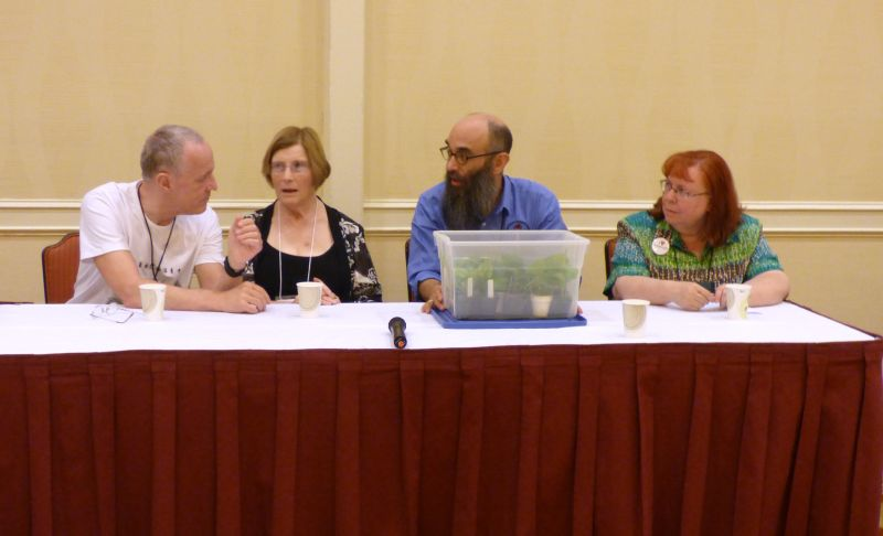 Growers Forum panel: Bill Price, Ruth Coulson, Peter Shalit, Dale Martens