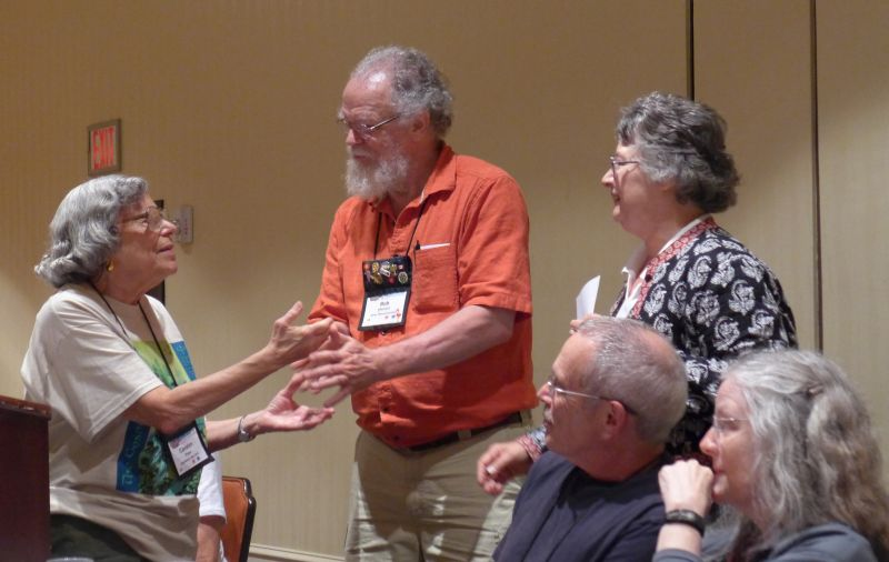 Carolyn Ripps presenting Bob & Dee Stewart the award for most seed donations in 2014
