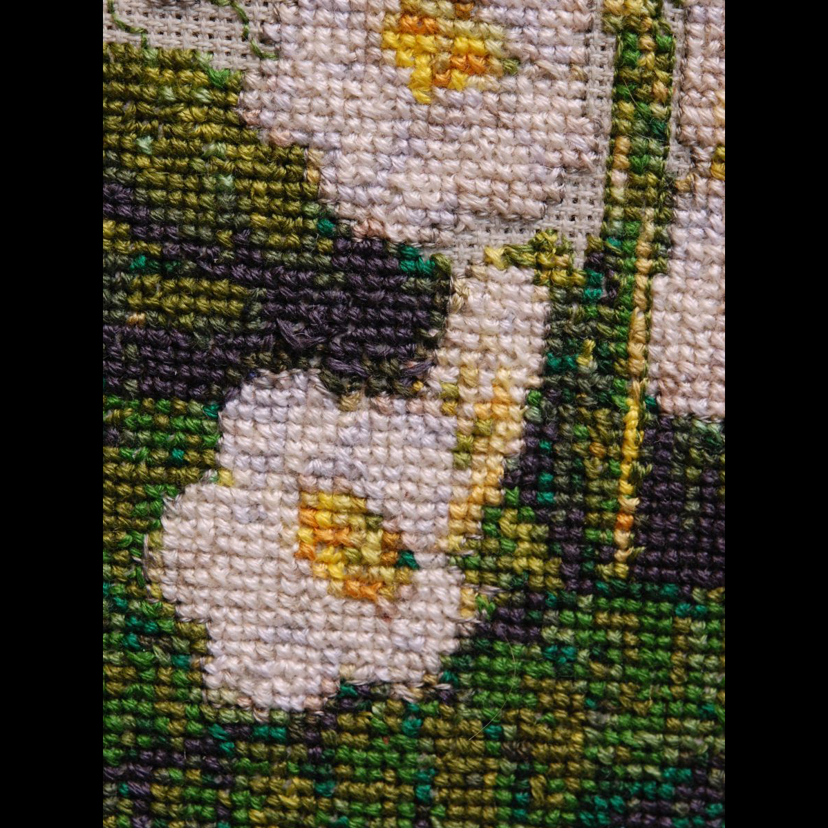 2017 Convention<br>Arts and Crafts Representing Gesneriads<br>Class 75 – Needlework or textile <br>RUNNER-UP TO BEST IN ARTS